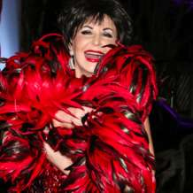 The-dame-shirley-bassey-story-1501746315