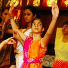 Asian-folk-dance-classes-with-sonia-sabri-1536566276