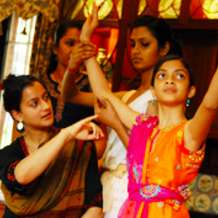 Classical-bollywood-dance-classes-with-sonia-sabri-1548967774