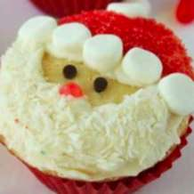 Christmas-cupcake-decorating-1510835490