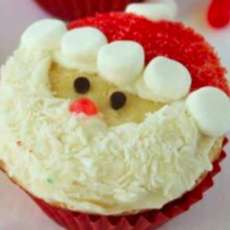 Christmas-cupcake-decorating-1510857601