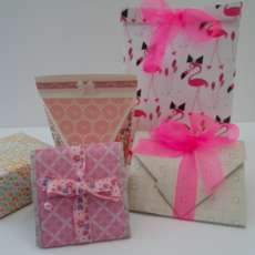 Gift-boxes-gift-bags-and-gift-tags-workshop-1539343046