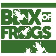 Improv-comedy-with-box-of-frogs-1523630360