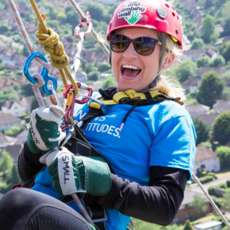 Snow-hill-abseil-for-parkinson-s-1523608258