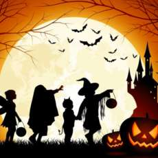 Family-halloween-party-1570384318