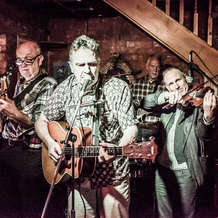 Chaos-acoustic-club-at-the-old-mo-arms-1484079169