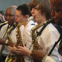Sax-in-the-city-with-the-notebenders-1406925913