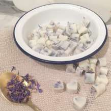 Floral-wax-melts-workshop-1558697570
