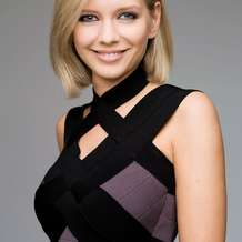 Rachel-riley-and-touchwood-encourage-guests-to-swap-a-top-for-charity-1426773849