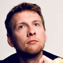 At-home-with-joe-lycett-jess-phillips-1501315640