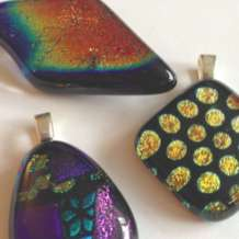 Fused-glass-jewellery-1548092974